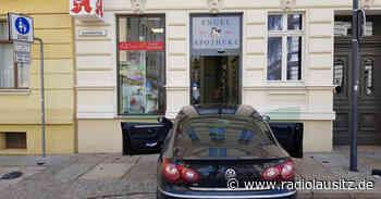 Autofahrer kracht in Apothekentür in Görlitz - Radio Lausitz