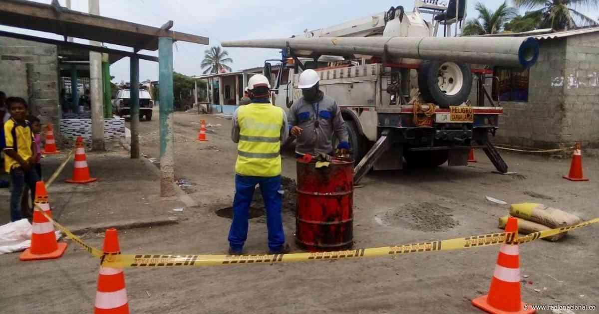 Habitantes de Pueblo Viejo (Magdalena) se tomaron la Troncal del Caribe - http://www.radionacional.co/