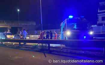 Bari, cade con lo scooter sulla ss16: ferito 45enne trasportato in gravi condizioni al Policlinico - Il Quotidiano Italiano - Bari