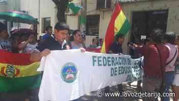 Magisterio Urbano de Yacuiba entra en huelga de hambre en rechazo a la ley educativa del Gobierno - La Voz de Tarija