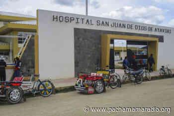 Los miembros de la asociación de barrios unidos de Ayaviri – Abua realizan plantón en el hospital San Juan de Dios – Melgar - Pachamama radio 850 AM