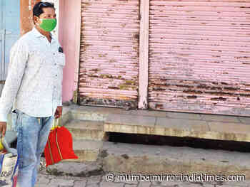 Teachers given home delivery jobs during lockdown in Beed - Mumbai Mirror