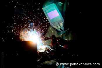 Economy adds 953,000 jobs in June, unemployment rate falls - Ponoka News