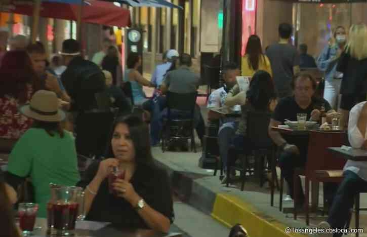 Pasadena Businesses, Customers Enjoy Expanded On-Street Dining As Pandemic Concerns Continue
