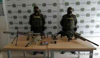 Recuperan en Manizales réplicas de armas hurtadas a un coleccionista - Caracol Radio