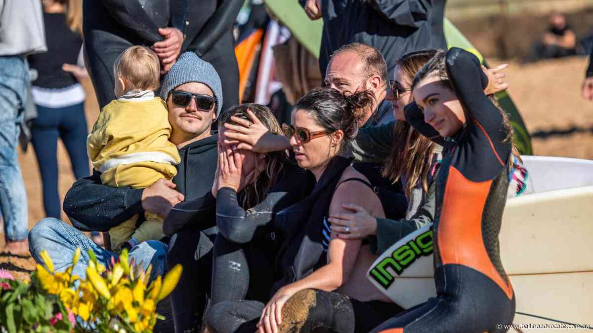 'Magical': 500 paddle out at Narrabeen for Chumpy - Ballina Shire Advocate