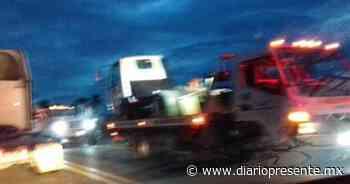 Transporte de Coppel se sale en la Villahermosa-Teapa - Diario Presente