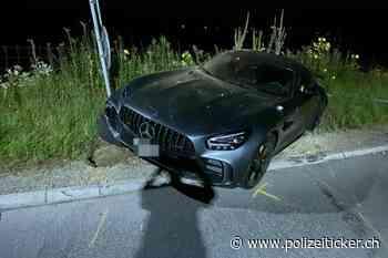 Staufen AG - 21-Jähriger baut mit Mercedes Hochleistungssportwagen Selbstunfall - Auto sichergestellt - Polizeiticker.ch
