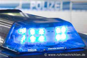 Halterner verliert Kontrolle über sein Auto und prallt gegen Laterne - Ruhr Nachrichten