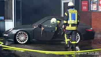 Feuer in Haltern - Werkstattbrand zerstört edle Karossen - BILD