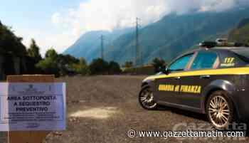 Traffico illecito di rifiuti in Valle d'Aosta, blitz della Finanza: 5 indagati, sequestri e perquisizioni - gazzettamatin.com