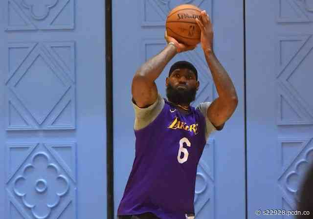LeBron James Wears Nike LeBron 17 'Courage' In Lakers' First Orlando Practice