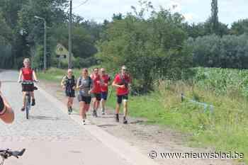 """55 kilometer lopen voor het goede doel: """"Ik ging normaal twee marathons en de Dodentocht lopen. Dit is een leuk alternatief"""""""