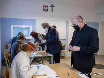 Polen entscheiden in Stichwahl über neuen Präsidenten - Ausland - Zeitungsverlag Waiblingen