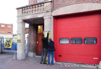 """Vlaams Belang hangt zelf Vlaamse Leeuw aan kazerne op 11 juli: """"Brandweer heeft altijd excuses: de vlag zit in de was, of is kwijt..."""" - Het Nieuwsblad"""