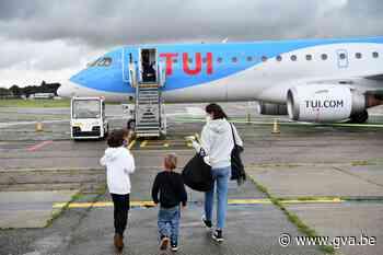 """Antwerpse luchthaven ontvangt eerste toeristen sinds lockdown: """"We vertrekken met een dubbel gevoel"""" - Gazet van Antwerpen"""
