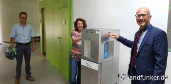 SCHLOSS STUTENSEE | BBBank unterstützt die Jugeneinrichtung mit einer Wasserpatenschaft - Landfunker