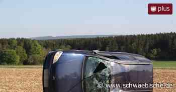 Auto überschlägt sich bei Neresheim   schwäbische.de - Schwäbische