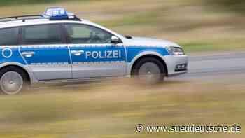 Polizei lotst Traktoren von der Autobahn - Süddeutsche Zeitung