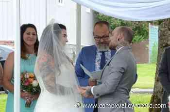 Couple opts for plan B for wedding in Courtenay – Comox Valley Record - Comox Valley Record