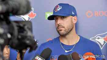 Travis Shaw apologizes for recent tweets, says they were 'tone deaf'