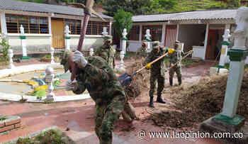 Soldados y comunidad recuperan escuela en Villa Caro - La Opinión Cúcuta