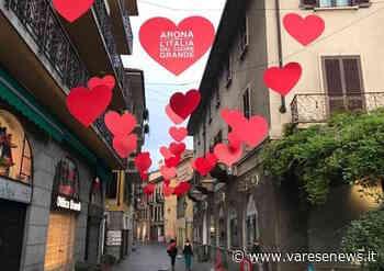 Ruota panoramica e cuori rossi sul corso, l'estate di Arona al via - Varesenews