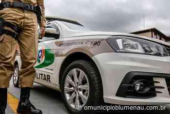 Policiais são hostilizados ao tentar encerrar festa em Indaial e usam spray de pimenta contra envolvidos - O Município Blumenau