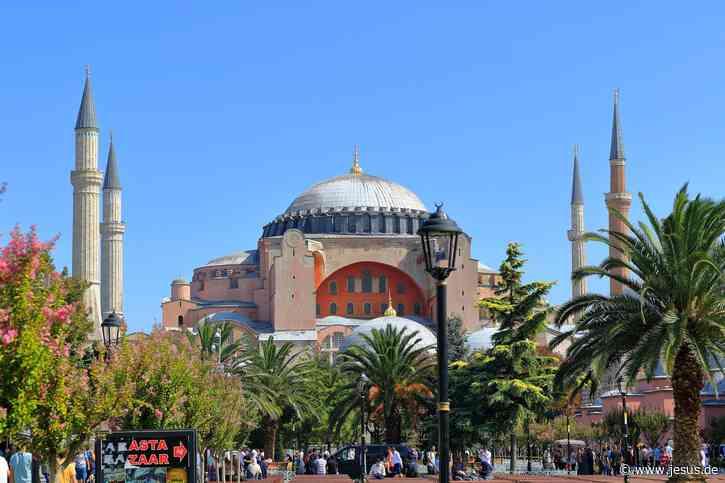 Viel Kritik an Umwandlung der Hagia Sophia in Moschee