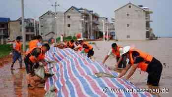 Hochwasser in China: Mehr als 140 Tote und Vermisste