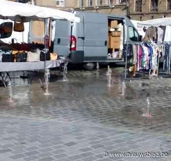 Onbedoelde verfrissing op marktdag: fonteinen springen plots aan