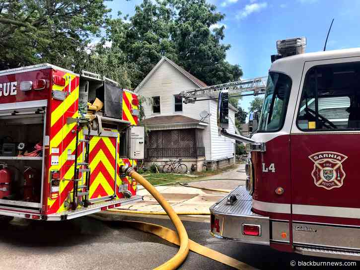 House fire closes portion of Queen Street