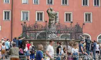 Justitiabrunnen wird restauriert - Regensburg - Nachrichten - Mittelbayerische