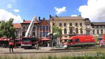 Hulpdiensten moeten vrouw van dak halen in Sint-Niklaas - TV Oost