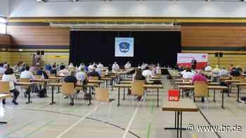 Bayern-SPD: Erster Präsenz-Parteitag in Stockstadt am Main - BR24