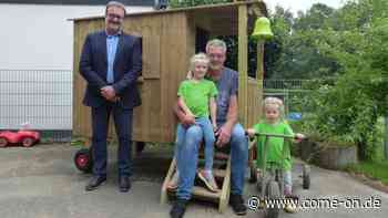 """Neues """"Spielzeug"""" für den Kindergarten Regenbogen in Rönsahl - Meinerzhagener Zeitung"""