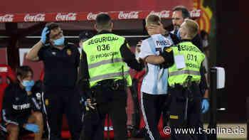 FC Barcelona: Flitzer beim Geisterspiel – er wollte ein Foto mit Lionel Messi - t-online.de