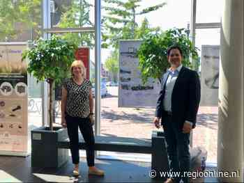 Gemeente Zwijndrecht recyclet bedrijfskleding tot bankje - Regio Online - Regio Online Nederland