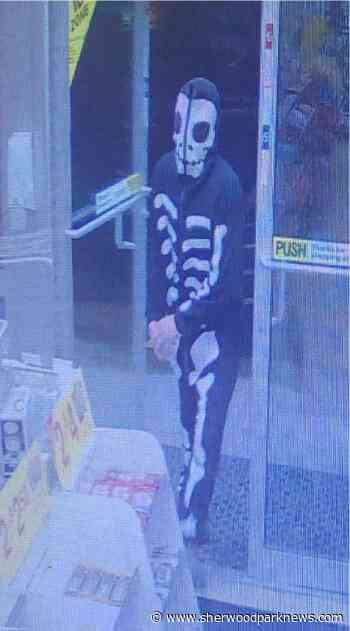Brentwood 7-Eleven robber sought