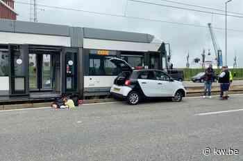 Nederlands gezin van vier naar ziekenhuis na ongeval met kusttram in Zeebrugge