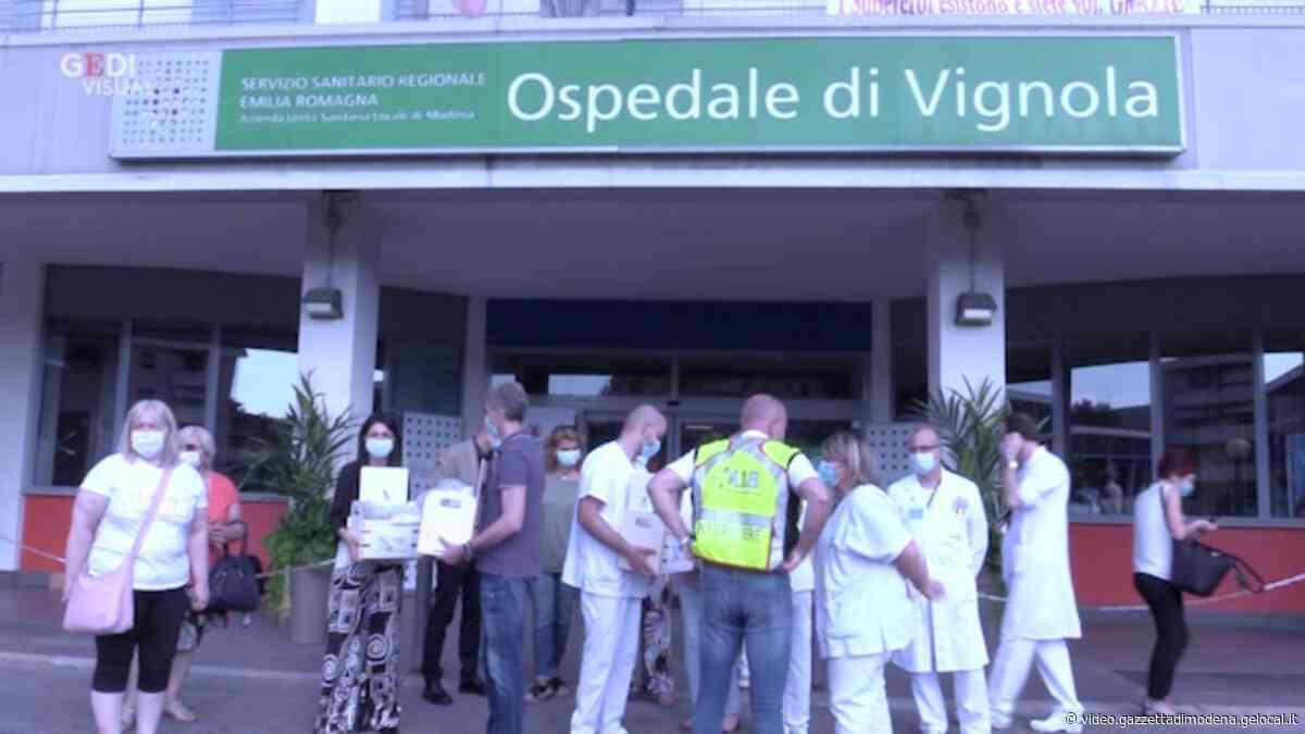 Vignola un grazie con i cuori a medici e infermieri - Gazzetta di Modena