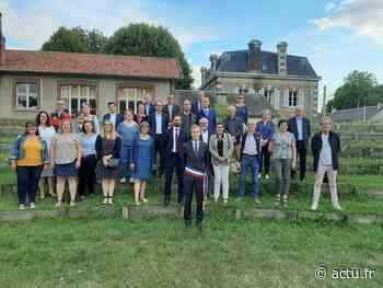 Trombinoscope. Conseil municipal de Nogent-le-Rotrou : Harold Huwart entouré de huit adjoints - L'Action Républicaine