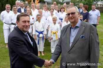 Große Ehre zum Jubiläum von Karate-Verein - Freie Presse