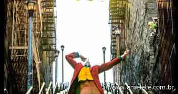 Coringa | Todd Phillips revela imagem de bastidores da cena da escada; veja - Omelete