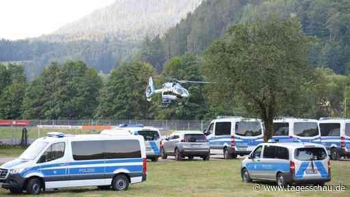 Großfahndung im Schwarzwald: Polizei sucht weiter nach Flüchtigem - tagesschau.de