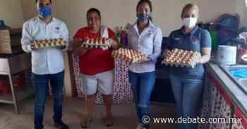 Mujeres trabajan en granja de gallinas en La Quebrada de Los Sandoval, Sinaloa - DEBATE