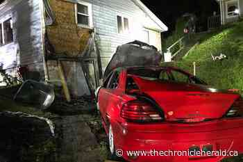 UPDATED: Wolfville, Greenwich firefighters quickly douse spreading Gaspereau car fire - TheChronicleHerald.ca