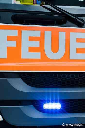 Auto in Sarstedt abgebrannt - Haus beschädigt - NDR.de