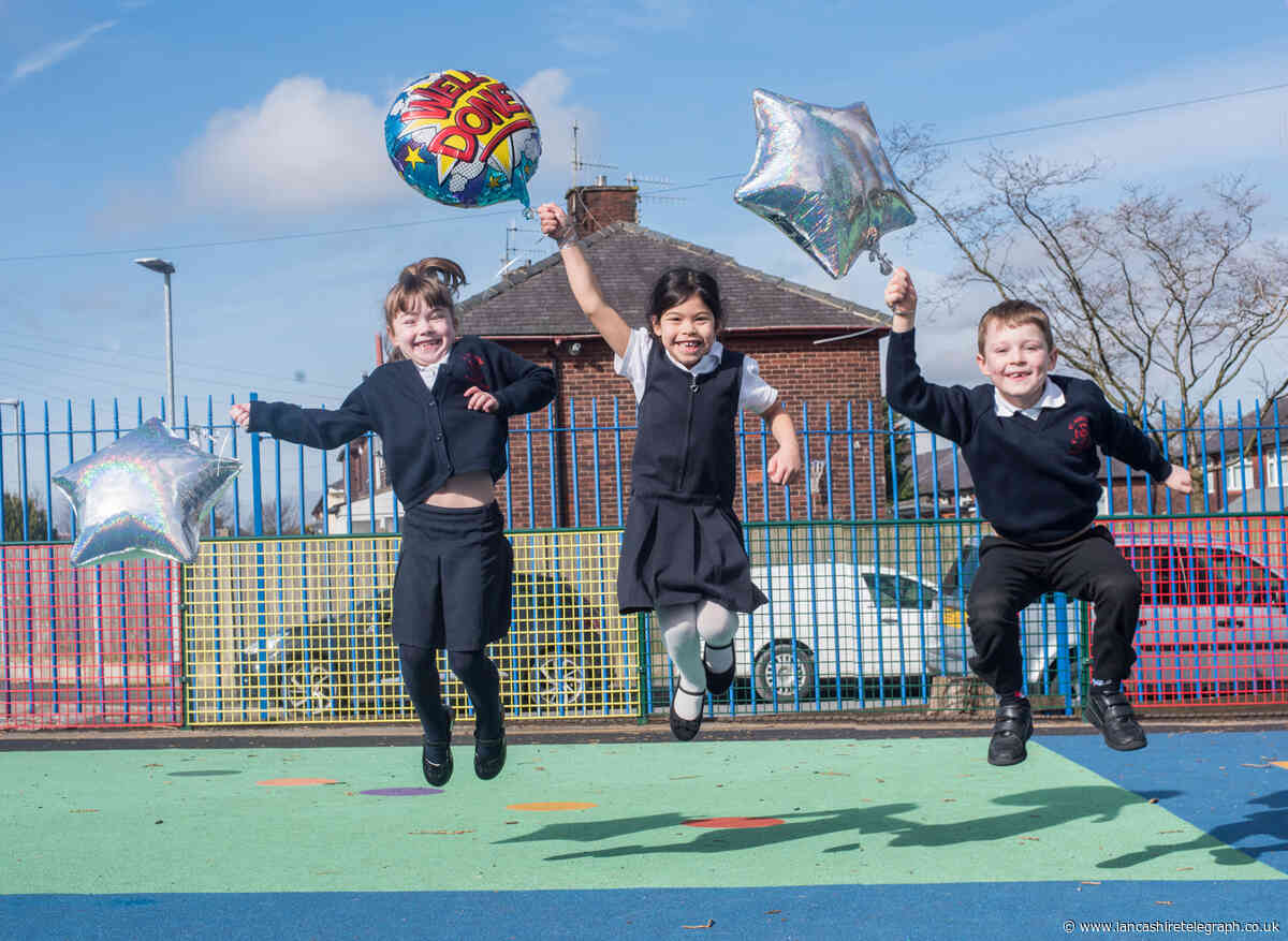 Burnley primary school's gold award for trauma care in young pupils