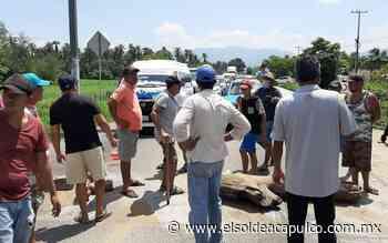 Habitantes de El Arenal bloquean la carretera federal Acapulco-Zihuatanejo - El Sol de Acapulco